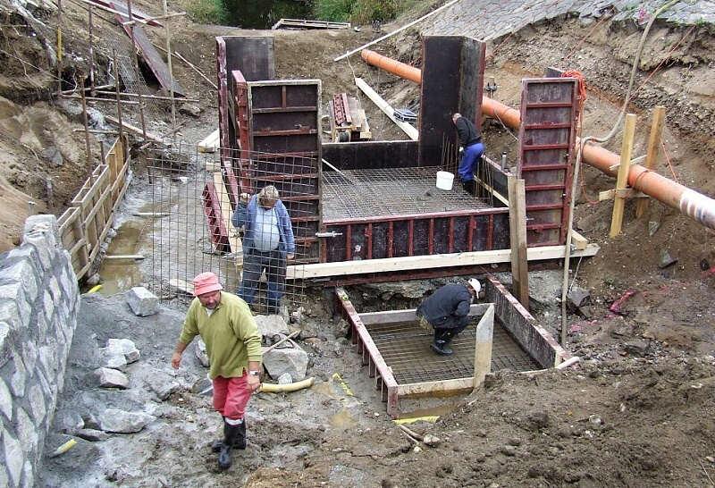 Pohled na desku dna pod spotem, 9.10.2009