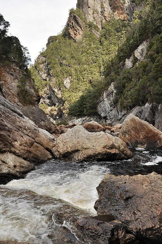 Franklin river - Great Ravine. Tady zase voda kousek teče po povrchu