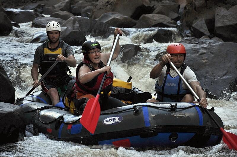 Franklin river - Newlands cascades ke konci - opět jsme je jeli odlehčený, někteří fotili. Ale to světlo...