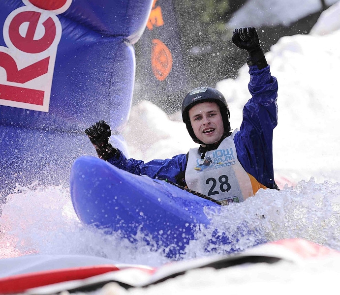 Snow kajak cross HerlA�kovice 2012